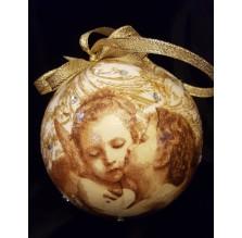 Złota bombka z aniołkami. Ręcznie robiona.