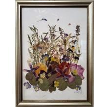 """Obraz """"Kompozycja kwiatowa IV"""". Technika własna: wyklejanie z płatków kwiatów."""