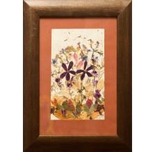 """Obraz """"Kompozycja kwiatowa IX"""". Technika własna: wyklejanie z płatków kwiatów."""