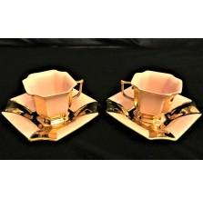 Duet. Filiżanki z rózowej czeskiej porcelany Haas & Czjzek