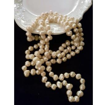Perły – bardzo długi sznur hodowlanych pereł