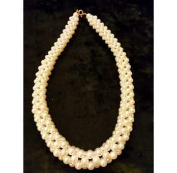 Kolia ze sztucznych perełek