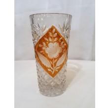 Kryształowy wazon z ornamentem